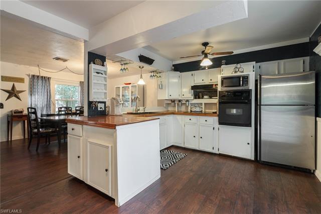 1857 Jefferson Ave, Fort Myers, FL 33901