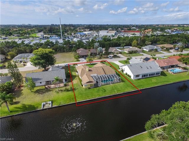 947 Deep Lagoon Ln, Fort Myers, FL 33919