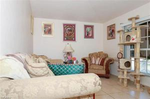 32 Nw 33rd Ter, Cape Coral, FL 33993