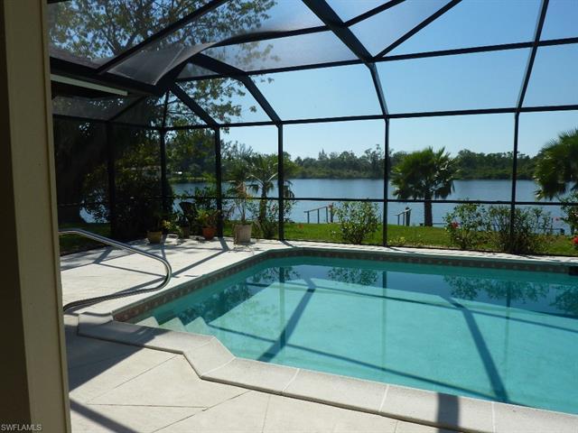5581 Montilla Dr, Fort Myers, FL 33919
