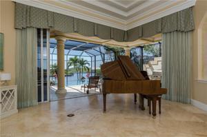 1518 Hermitage Ln, Cape Coral, FL 33914