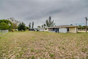 1049 Ne 4th St, Cape Coral, FL 33909