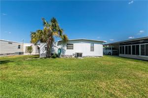 15140 Meadow Cir, Fort Myers, FL 33908
