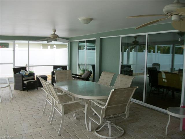 421 Se 22nd Ter, Cape Coral, FL 33990