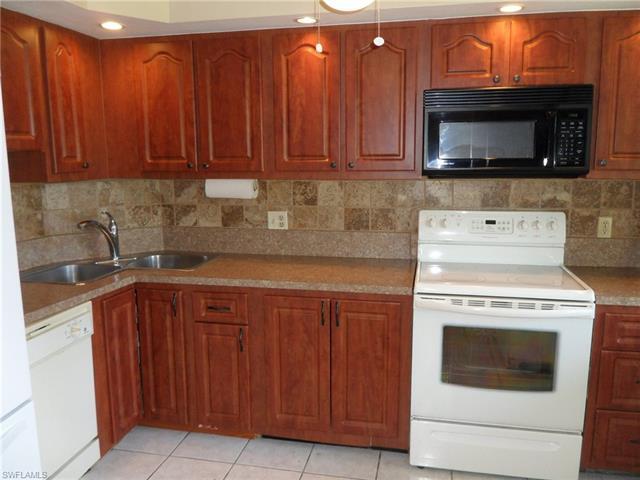 5959 Winkler Rd 117, Fort Myers, FL 33919