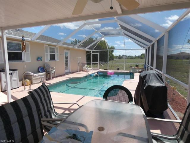 908 Ne 10th St, Cape Coral, FL 33909