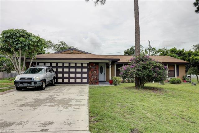 8110 Valencia Rd, Fort Myers, FL 33967