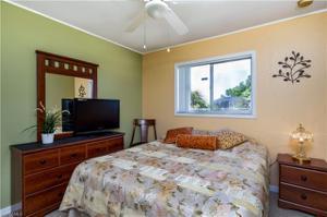 212 Nw 29th St, Cape Coral, FL 33993