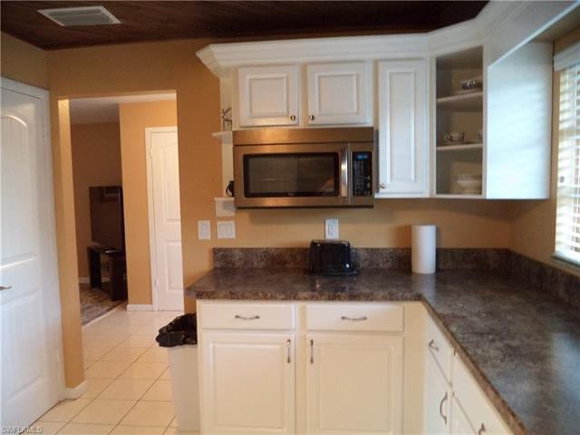 5015 Skyline Blvd, Cape Coral, FL 33914