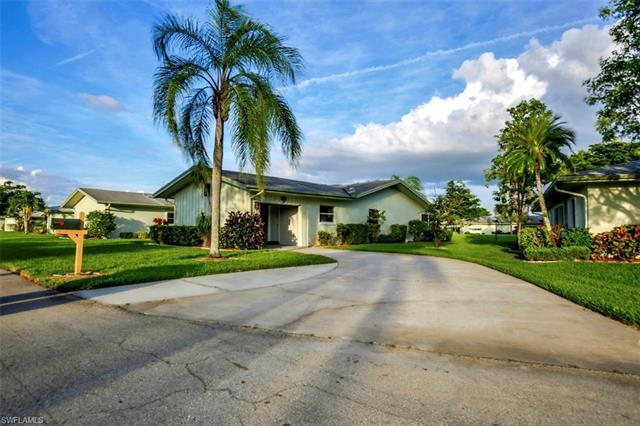 5585 Boynton Ln, Fort Myers, FL 33919