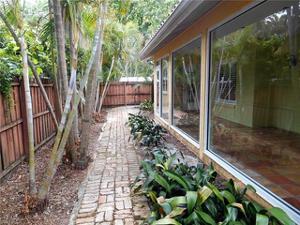 2764 Gladiola St, Fort Myers, FL 33901