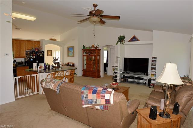 2008 Ne 15th Ave, Cape Coral, FL 33909