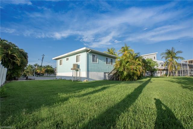 720 Matanzas Ct, Fort Myers Beach, FL 33931