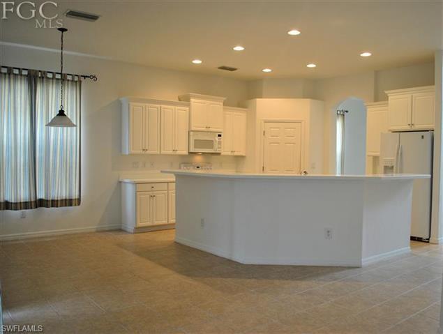 12484 Jewel Stone Ln, Fort Myers, FL 33913