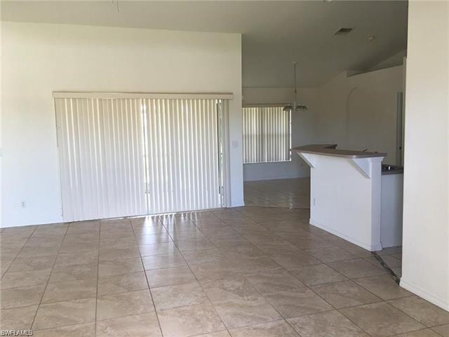 1217 Sw 30th St, Cape Coral, FL 33914