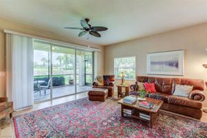 4405 Dover Ct 402, Naples, FL 34105