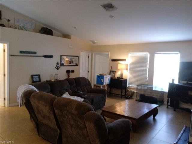 2917 Ne 6th Pl, Cape Coral, FL 33909