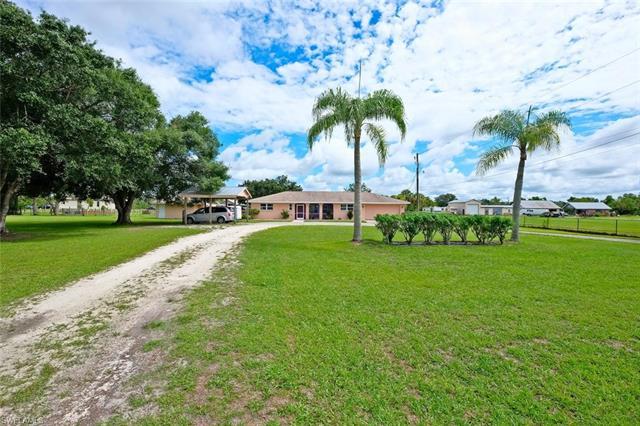 12121 Clover Dr, Fort Myers, FL 33905
