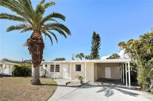 149 Hibiscus Dr, Fort Myers Beach, FL 33931
