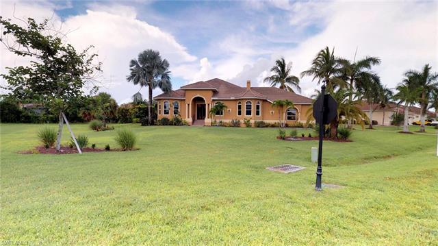 8570 Belle Meade Dr, Fort Myers, FL 33908