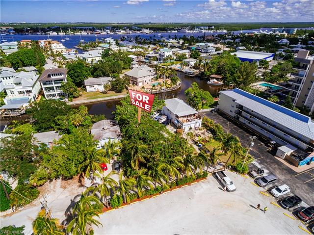 1401-3 Santos Rd, Fort Myers Beach, FL 33931