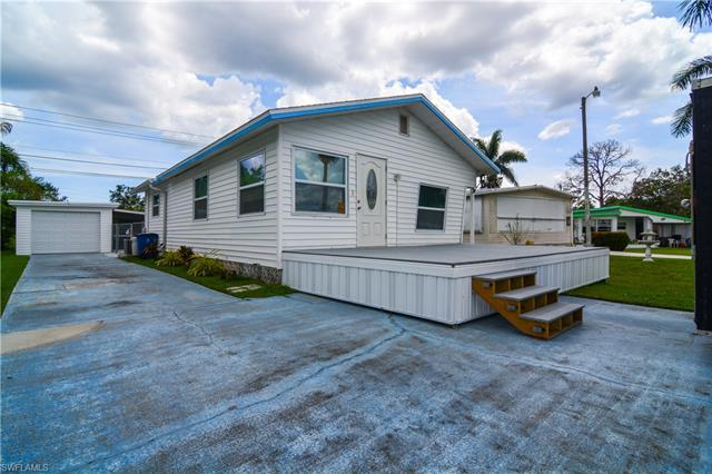 13191 Point Breeze Dr, Fort Myers, FL 33908