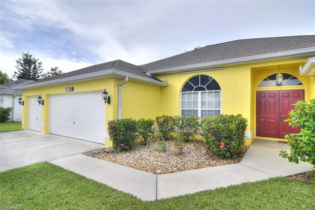 1726 Country Club Blvd, Cape Coral, FL 33990