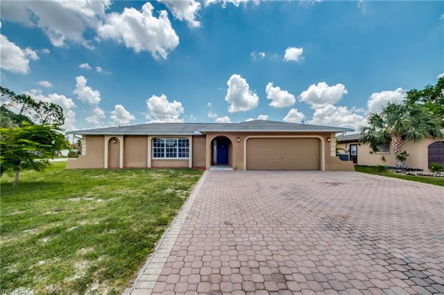 8900 Andover St, Fort Myers, FL 33907