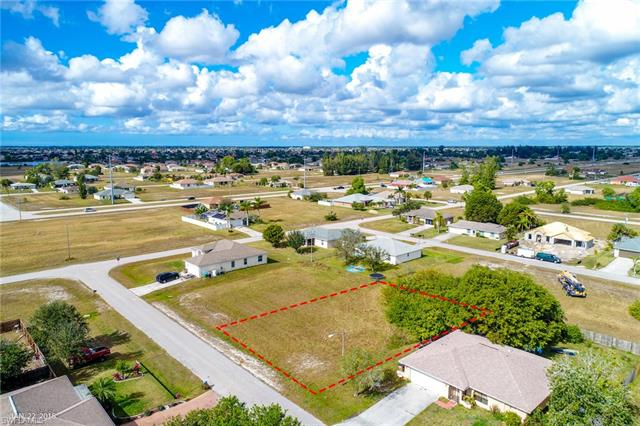25 Ne 11th Ln, Cape Coral, FL 33909