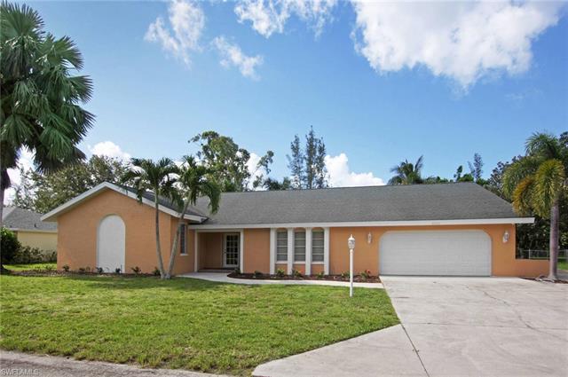 8501 Yorkshire Ln, Fort Myers, FL 33919