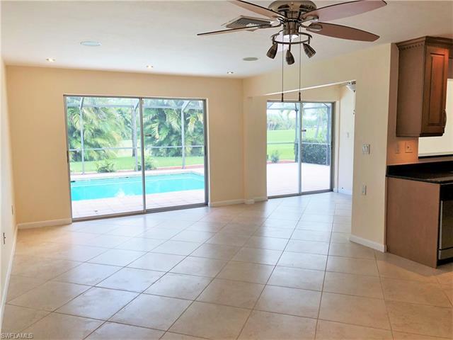1515 Tredegar Dr, Fort Myers, FL 33919