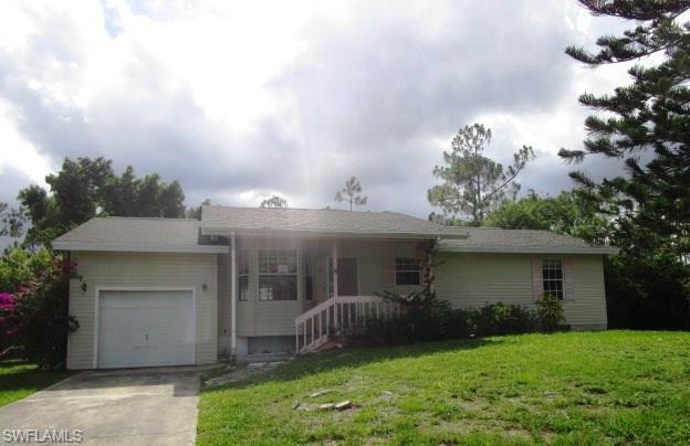 401 Castle Dr, Naples, FL 34119