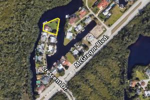 110 Crescent Dr, Fort Myers, FL 33919
