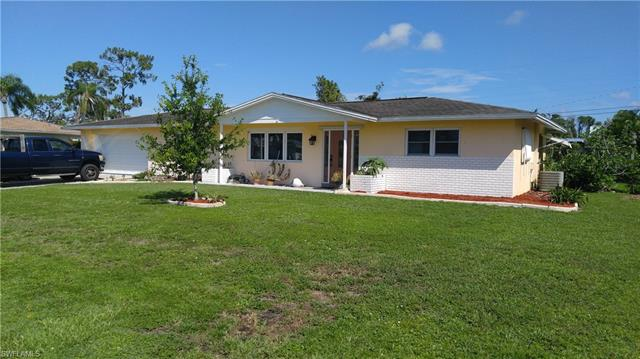 323 Hollywood St, Lehigh Acres, FL 33936
