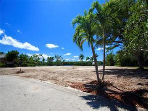 6901 Deep Lagoon Ln, Fort Myers, FL 33919