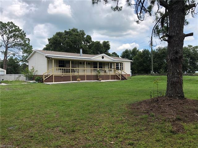 3903 W Double J Acres Rd, Labelle, FL 33935