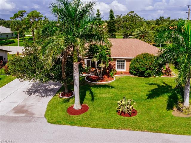 16090 Lakeview Dr, Fort Myers, FL 33908