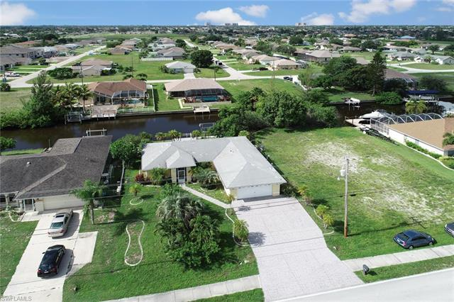 824 Mohawk Pky, Cape Coral, FL 33914
