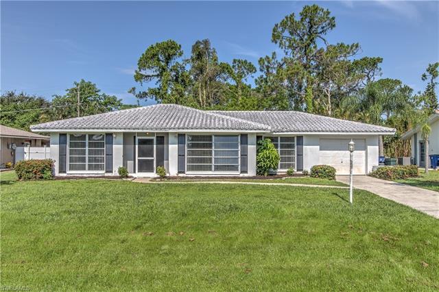 8812 Geneva St, Fort Myers, FL 33907