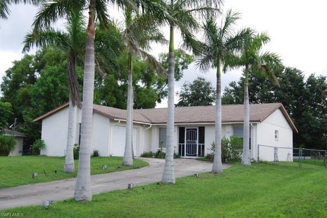 123 Sw 19th Ln, Cape Coral, FL 33991