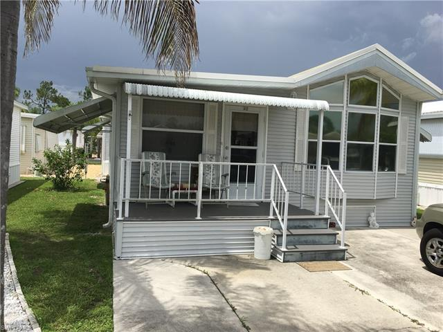 82 Gresham Ln, North Fort Myers, FL 33903