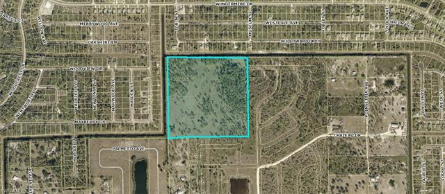 450 Foxhound Rd, Lehigh Acres, FL 33972