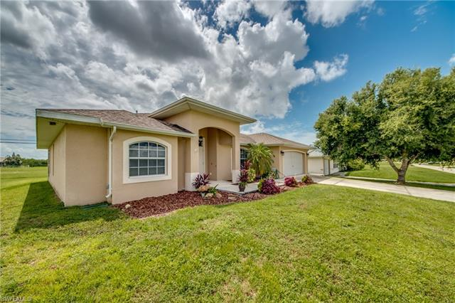1403 Ne 12th Pl, Cape Coral, FL 33909