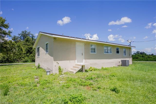 2819 15th St Sw, Lehigh Acres, FL 33976