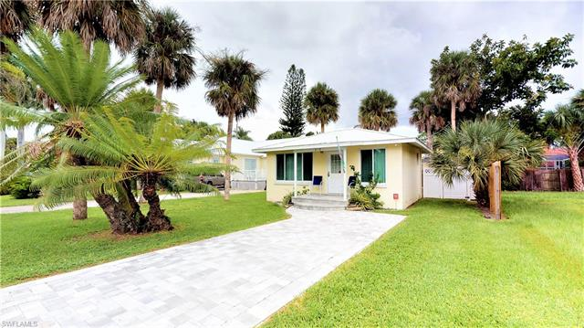 210 Pearl St, Fort Myers Beach, FL 33931