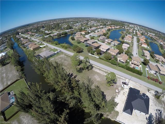 2114 Sw 22nd Ter, Cape Coral, FL 33991