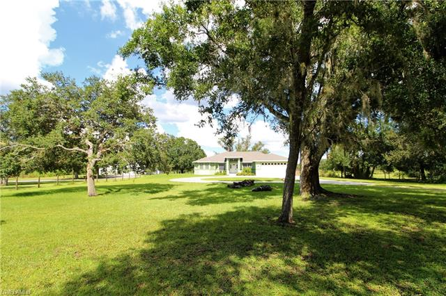 2771 Packinghouse Rd, Alva, FL 33920