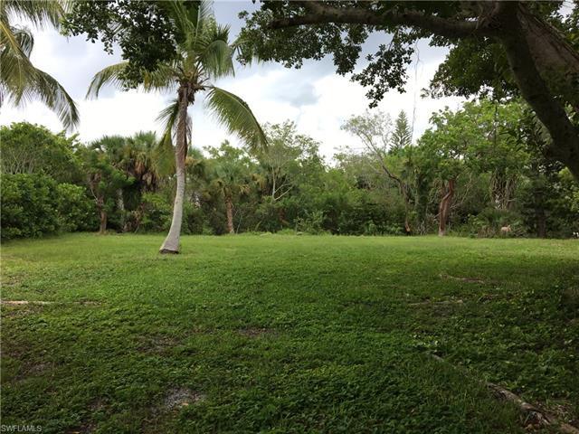 1026 Fish Crow Rd, Sanibel, FL 33957