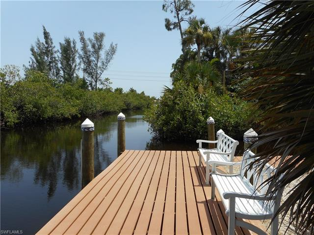 6136 Lake Front Dr, Fort Myers, FL 33908
