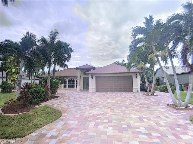 1332 Sw 27th Ter, Cape Coral, FL 33914